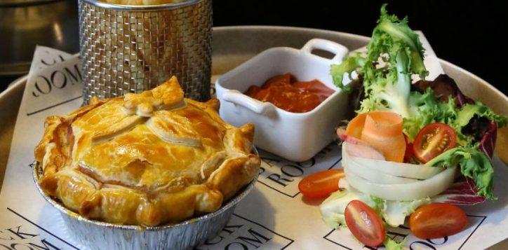 web-promo-australian-meat-pie-01-2