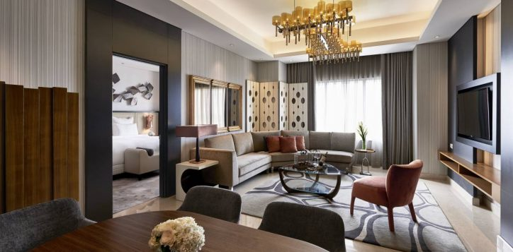 accent-suite-living-room-2