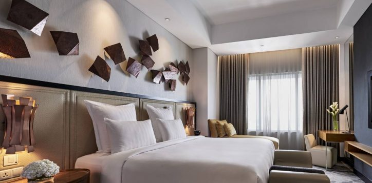accent-suite-master-bedroom-1-2