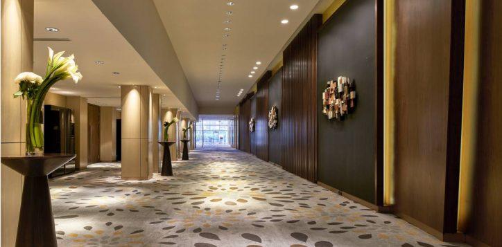 grand-on-thamrin-ballroom-foyer-1-2